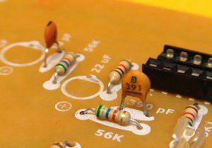 condensador 390 pF