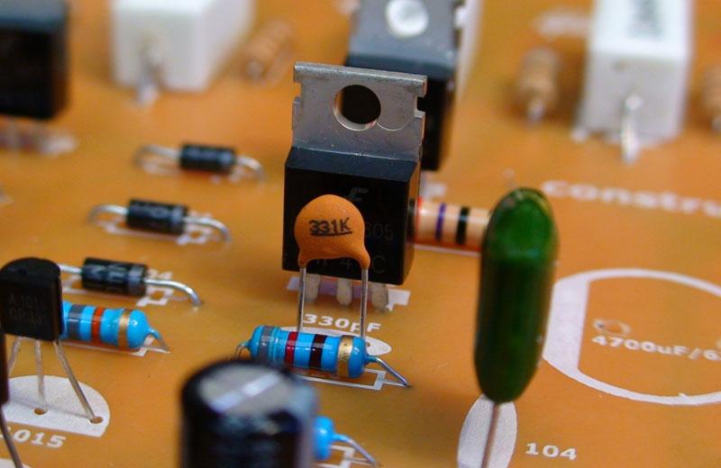 Amplificador Estereo De 400w Complementario