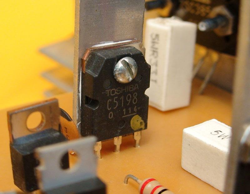 Amplificador Monofónico de 250 W Cuasicomplementario