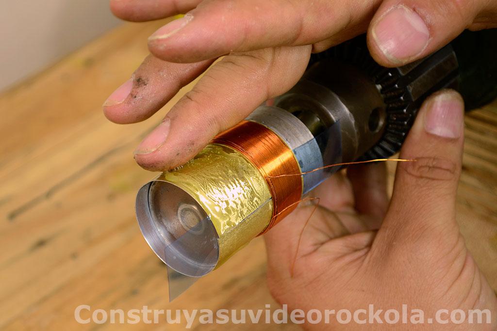 esparcir cemento contacto