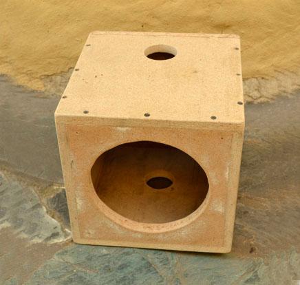caja con agujeros