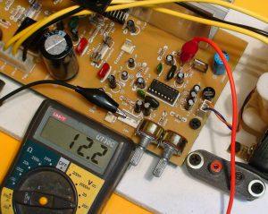 medición voltaje regulado