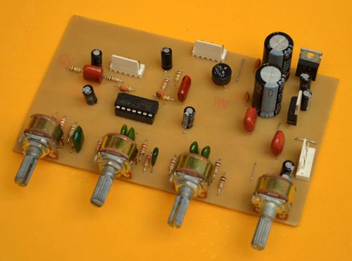 Preamplificador Estéreo con  Tonos y Fuente regulada