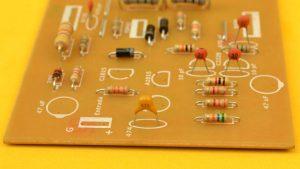 condensador desacople