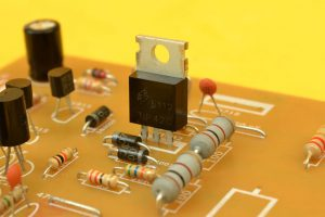 transistor de BIAS