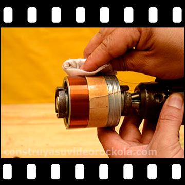 Construcción de la bobina de un parlante